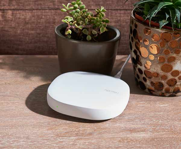 Aeotec Smart Home SmartThings Hub EU image
